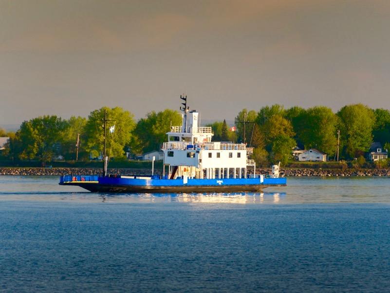 Allo-Québec-traversier-Sorel