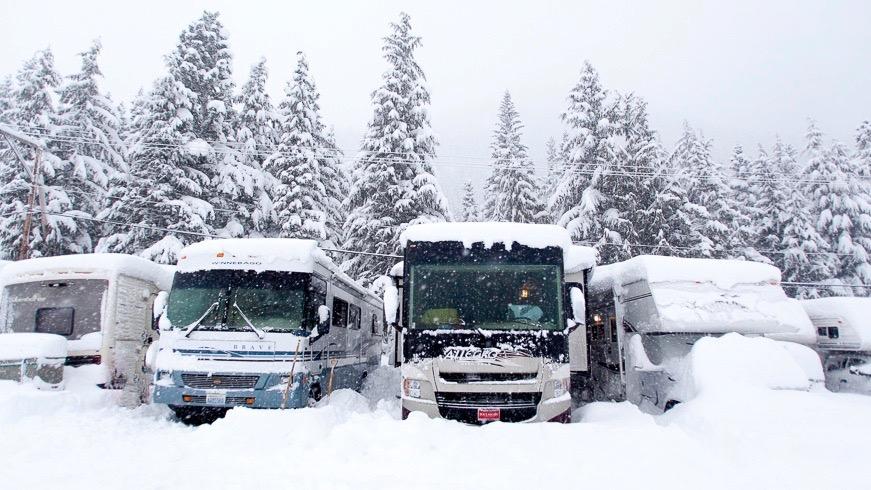 winter-rv-snow